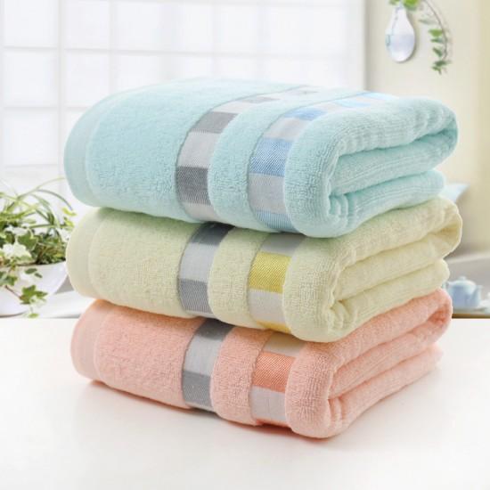 Factory wholesale plain color cut off box 70*140 cotton bath towel soft absorbent high-yang towel
